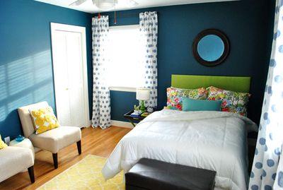 Guest-bedroom-from-bathroom